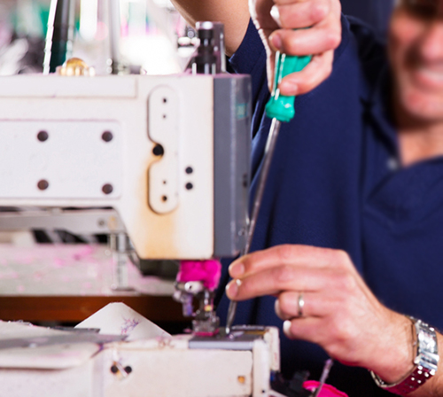 Cleaning a Sewing Machine: Complete Guide + 3 Important